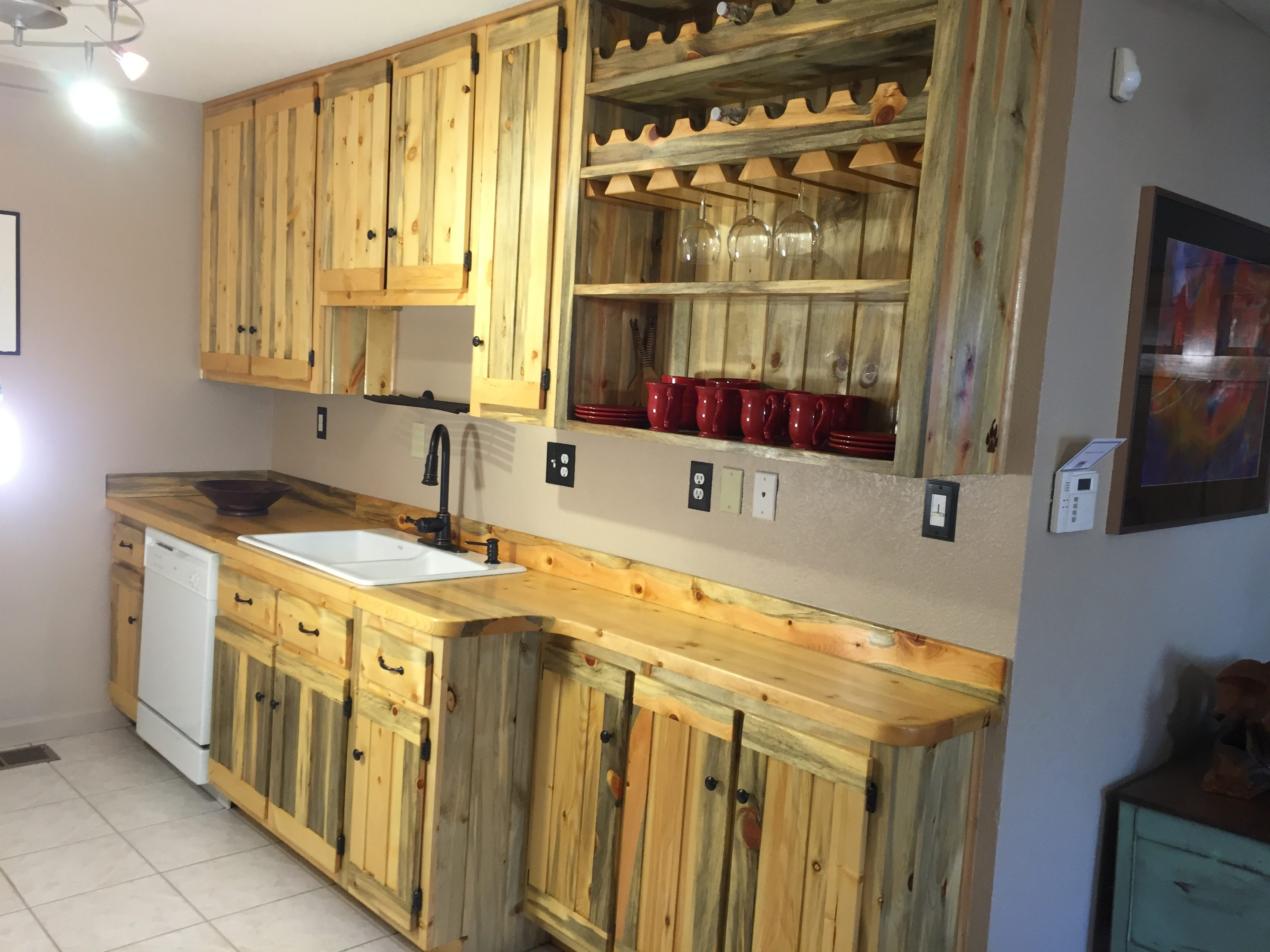 Kitchen Wall Colors With Pine Cabinets